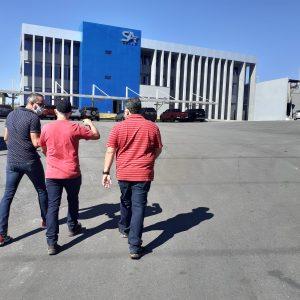 Voltando para o prédio do Grupo SA