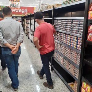 Visita ao supermercado EPA